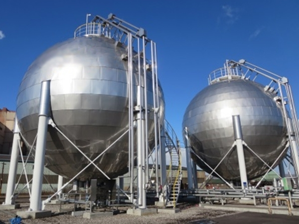 Liquid carbonic acid spherical tank×4